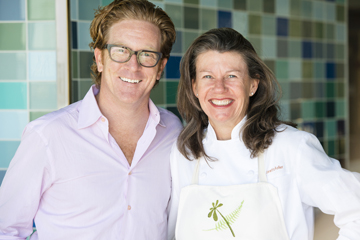Clay Reynolds (left) and Chef Loretta Keller of Curiosity Catering at the Exploratorium. Image by Gayle Laird, Exploratorium, All Rights Reserved.