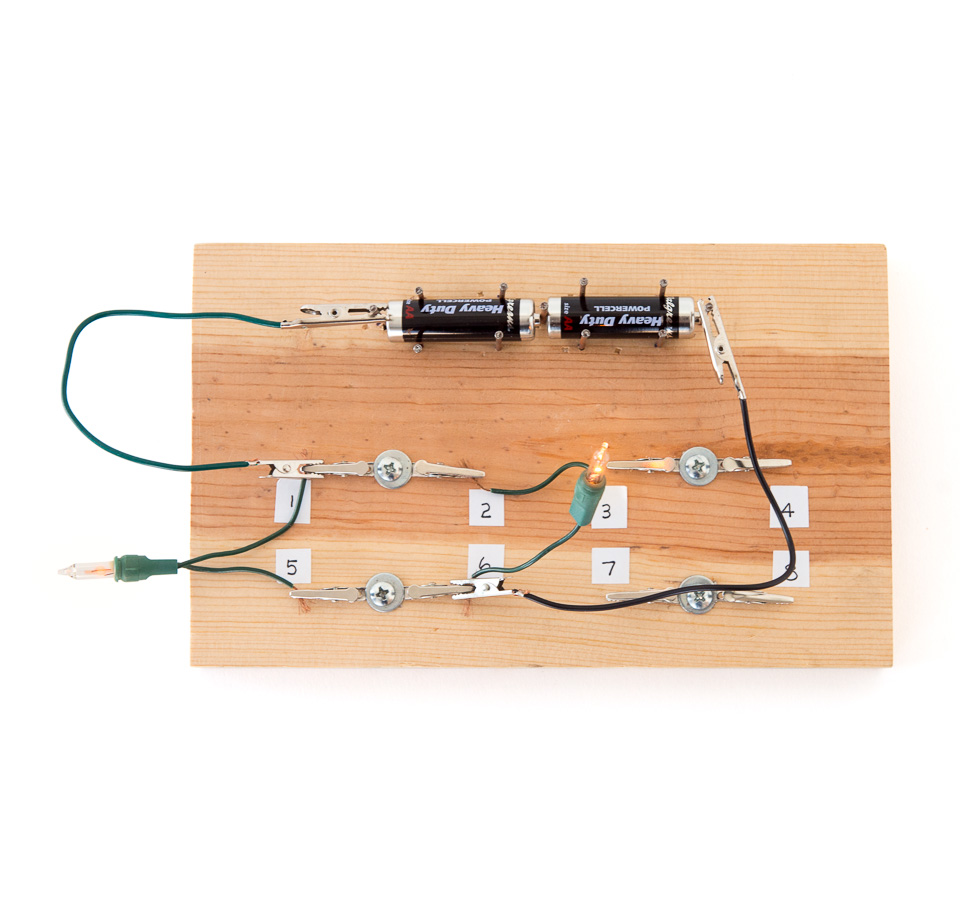 Circuit Workbench Physics Electricity Science Activity Like A Wire Can Carry In The Below Wiring Put Back Bulb And Remove Other One What Happens Does It Make Any Difference If You Or How Brightness Of
