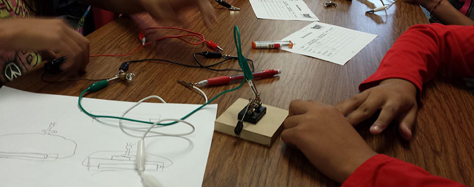 Children explore circuitry through Discovery Cube in collaboration with Fontana Afterschool Program and iCreate