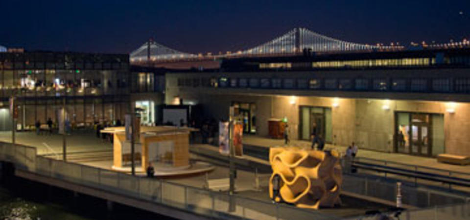 The Outdoor Gallery. Image by Amy Snyder © Exploratorium, All rights reserved