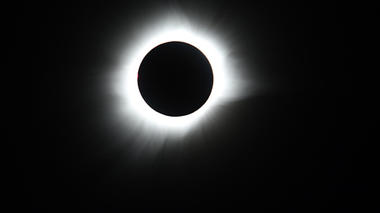 Guía para ver eclipses del Exploratorium & Total Solar Eclipse 2017 Live Stream | Exploratorium