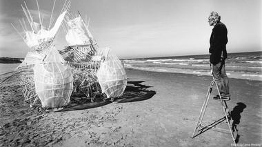 Strandbeest: The Dream Machines of Theo Jansen with photography by Lena Herzog